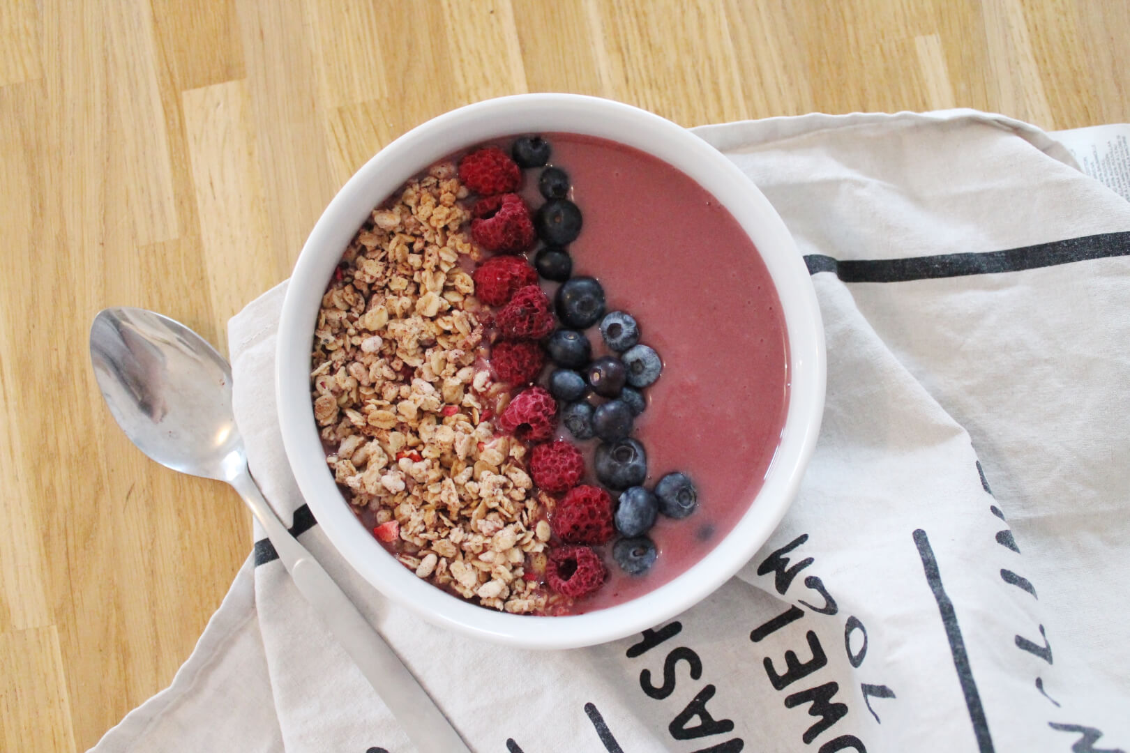Smoothie Bowl fruits rouges - Creatyve