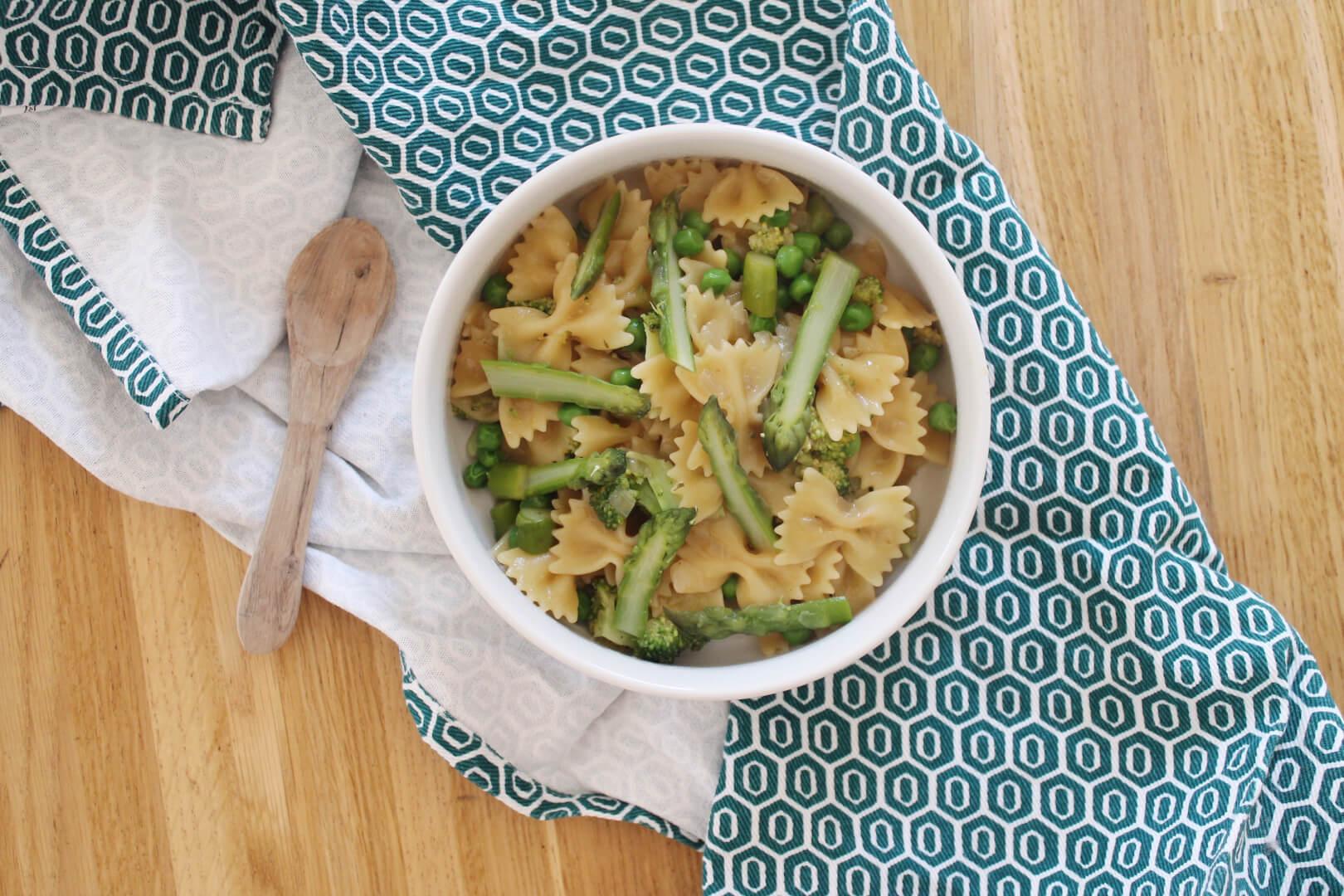 One pot pasta du printemps aux légumes verts - Creatyve